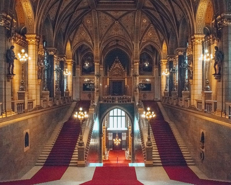Would Be Traveller - Budapest Parliament Interior