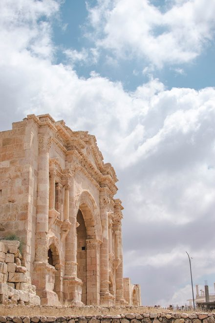 Would Be Traveller 1 Week in Jordan Jerash Entrance