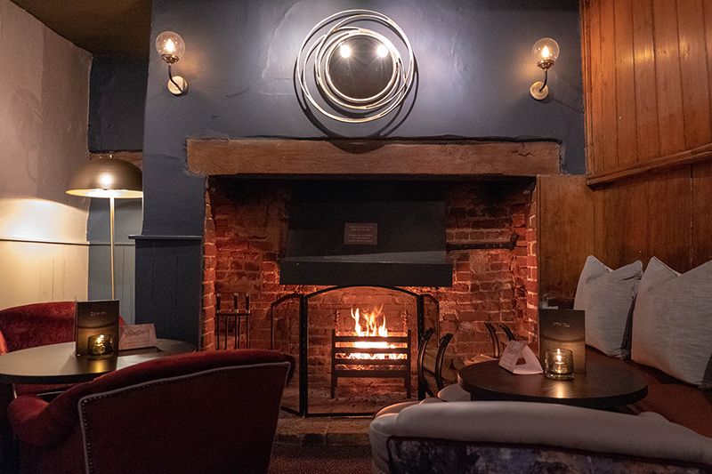 Would Be Traveller Red Lion Stoke Poges Fireplace