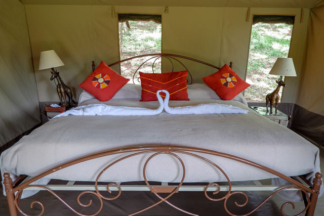 Inside tent in Nairobi Tented Camp